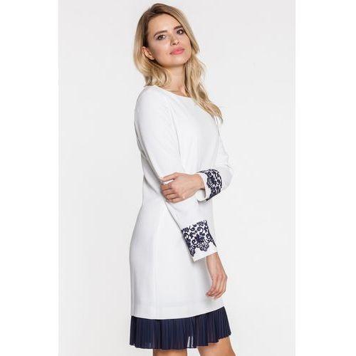 L'ame de femme Biała sukienka wizytowa z falbanką -
