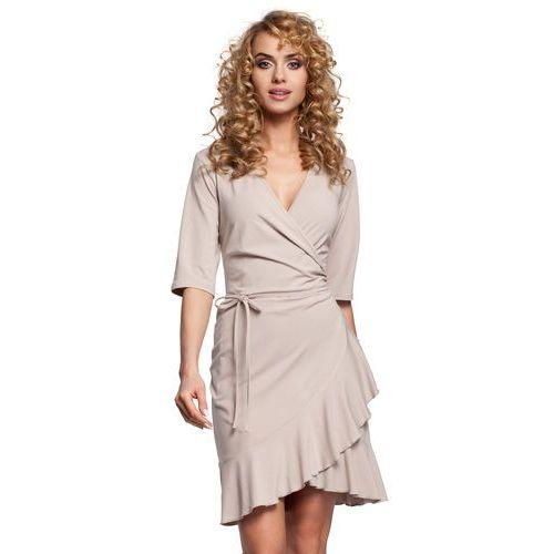 435ecf3d28 Krótka sukienka z kopertowym dekoltem i falbaną beżowa M294