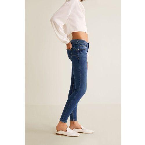 - jeansy kim marki Mango