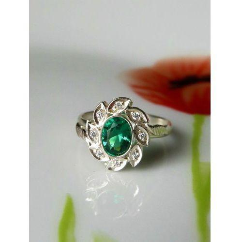Srebrny pierścionek z zieloną cyrkonią, rozmiar 18