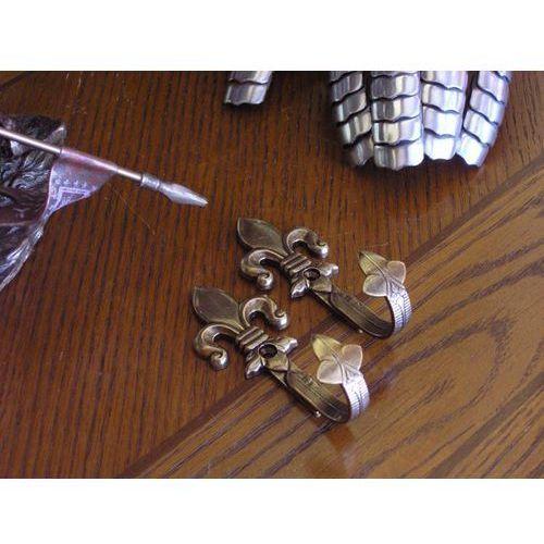 Wieszaki na repliki lilie złote (k1070-l) marki Hiszpania
