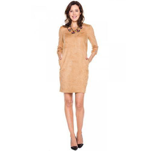Zamszowa sukienka w kolorze beżowym - Metafora, kolor beżowy