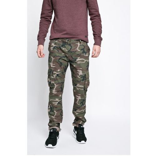 - spodnie marki Brave soul