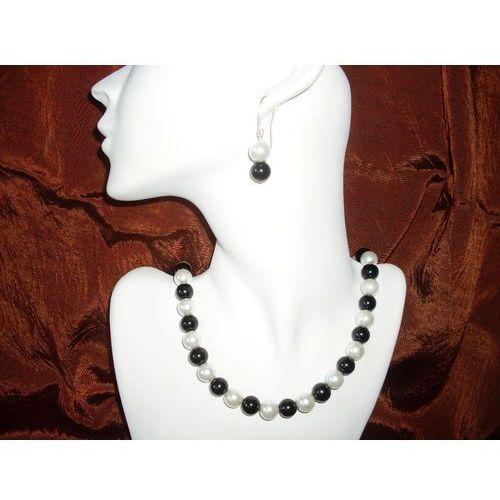 N-00010 Naszyjnik z perełek szklanych, czarnych i białych, kolor biały