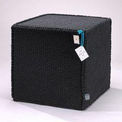 Grafitowy szydełkowy puf Beauty Cube 50 cm - We Love Beds, 5902409732726