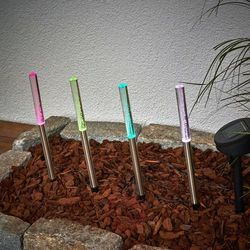 4-elementowy zestaw lamp solarnych led felia rgb marki Ibv