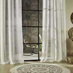 Zasłona na przelotkach w kolorze bieli, zasłona do salonu, zasłony do sypialni, zasłona na okno, modne zasłony, zasłony na kółkach marki Atmosphera créateur d'intérieur