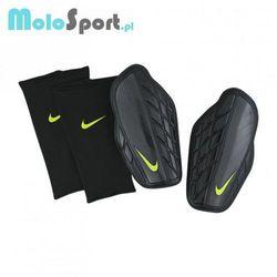 Ochraniacze piłkarskie Nike Protegga Pro M SP0315-010 z kategorii Piłka nożna
