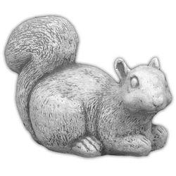 Figura ogrodowa betonowa jedząca wiewiórka 12cm