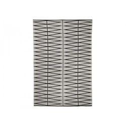Duży dywan z prostym geometrycznym wzorem marki Bloomingville