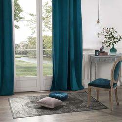 Zasłona okienna w kolorze morskim wykonana z poliestru to idealna ozdoba domowego wnętrza. marki Atmosphera