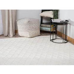 Biały dywan 140 x 200 cm ERZIN