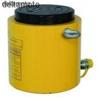 Cylinder hydrauliczny standardowy ZPC 300 ton