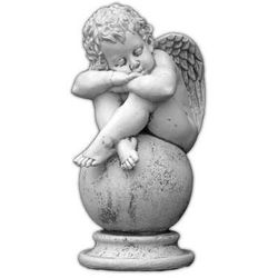 Figura ogrodowa betonowa śpiący aniołek na kuli 60cm