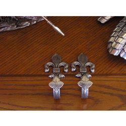 Hiszpania Wieszaki na repliki lilie srebrne (k1070)