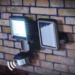 Luke – reflektor solarny LED z czujnikiem ruchu