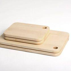 Deska do krojenia 02 większa z litego drewna, marki 4home