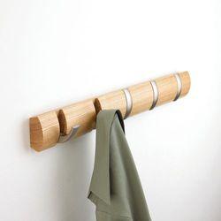 Wieszak na ubrania flip - naturalny - jasne drewno marki Umbra