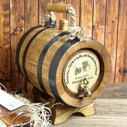 Dębowa beczka na alkohol z rączką (5 litrów) + opcja grawerowania z kategorii Na imieniny dla męża