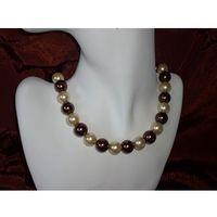 N-00013 Naszyjnik z perełek szklanych, kremowych i brązowych, kolor brązowy