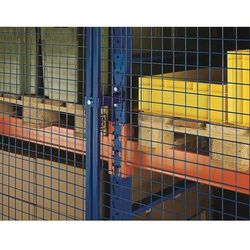 Kratowa ścianka tylna, wys. 1500 mm, dł. wspornika 2700 mm. Ceownikowa rama prof