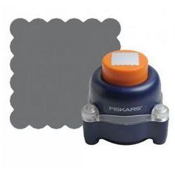 Dziurkacz Fiskars everywhere punch - ząbkowany kwadrat, towar z kategorii: Ozdobne dziurkacze