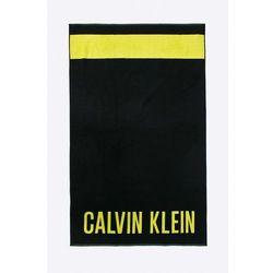 - ręcznik plażowy marki Calvin klein jeans