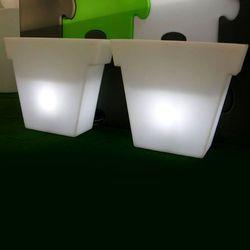 IL VASO- Oświetlona Donica rozmiar S, marki Slide do zakupu w Lightonline