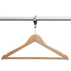 Wieszak na ubrania drewniany z zabezpieczeniem | 10 szt. marki Bolero