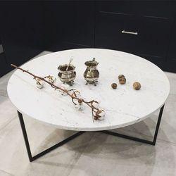 The brooklyn loft Stolik kawowy marmurowy oval 70 cm złoty biały carrara