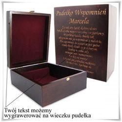 Drewniana szkatułka prezentowa 21cm x 17.5cm x 9cm z opcją zamieszczenia graweru, towar z kategorii: Na para