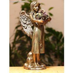 Aniołek z koszem kwiatów z kategorii Prezenty na Dzień Matki