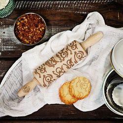Emotki - mini grawerowany wałek do ciasta - wałek 23cm wyprodukowany przez Mygiftdna