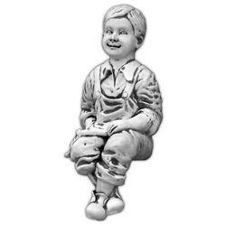 Figura ogrodowa betonowa chłopiec siadający 64cm