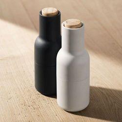 Młynki do soli i pieprzu Bottle Grinder, drewno, 2 szt - Menu (5709262953271)