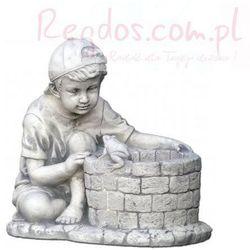 Figura ogrodowa betonowa dziecko z donicą 38cm z kategorii dekoracje ogrodowe
