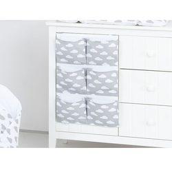 przybornik organizer na łóżeczko chmurki białe na szarym marki Mamo-tato