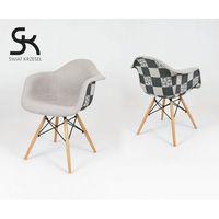 kr012f tapicerowany fotel patchwork 5 - szary ||kolorowy \ drewno buk marki Sk design