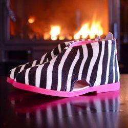 Kapcie 'zebra'  /rozm. 19-32, różowe/ od producenta Slippers family