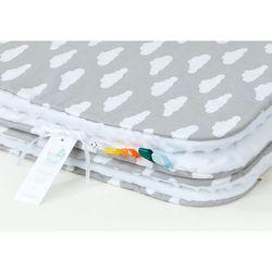 MAMO-TATO Komplet kocyk Minky do wózka + poduszka Chmurki białe na szarym / biały