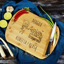 Mygiftdna Kobieta z klasą - deska do krojenia z grawerem - deska bambusowa