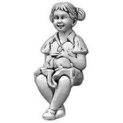 Figura ogrodowa betonowa dziewczynka siadająca 62cm