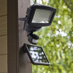 Lampa solarna z czujnikiem ruchu 120 led oferta ze sklepu Trampoliny