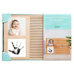 ramka z literkami i miejscem na odcisk dziecka marki Pearhead