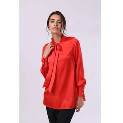Nommo Czerwona elegancka bluzka z wiązaną pod szyją szarfą
