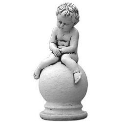 Figura ogrodowa betonowa siedzące dziecko na kuli 25cm