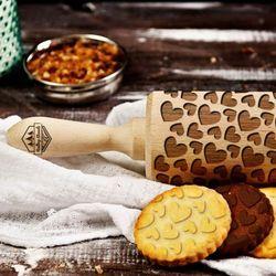 Serca - grawerowany wałek do ciasta - Serca - 44 cm grawerowany wałek do ciasta - produkt z kategorii- Wałki kuchenne