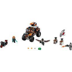 SUPER HEROES POŚCIG ZA CROSSBONOSEM Crossbones' Hazard Heist 76050 marki Lego [zabawka]