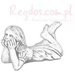 Figura ogrodowa betonowa leżąca dziewczynka 18cm