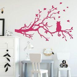 Naklejka z weluru dla dzieci kotek na gałęzi 2382 marki Wally - piękno dekoracji